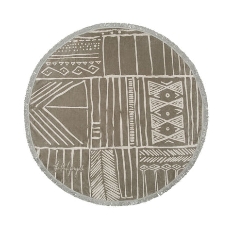 Nomad Roundie towel by the beach people