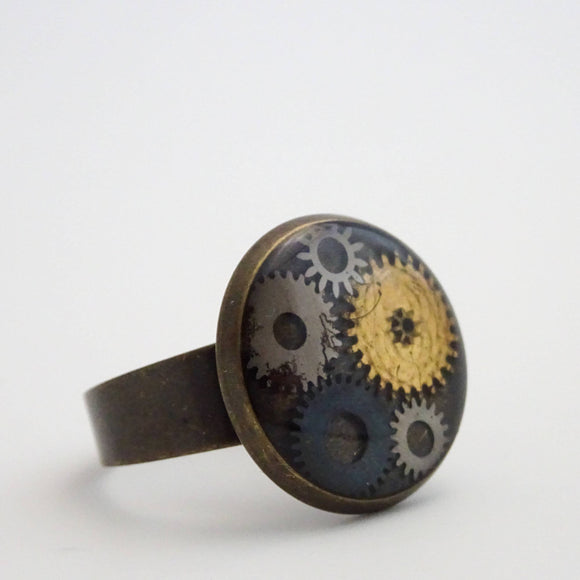 Steampunk Ring | Antique Watch Parts in Resin | Adjustable Ring