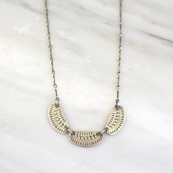 Asmi 3 Collar Necklace