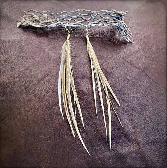 Mini Feather Earrings - Champagne