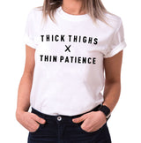 Thick Thighs - Statement Shirts - Damen T-Shirt Rundhals - Sprüche Shirts