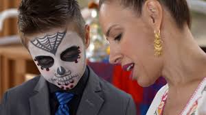On the set of Day of the Dead Sugar Skulls, documentary short