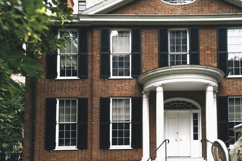 brick-home-with-columns