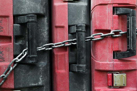 chained-toolboxes-how-to-become-a-locksmith