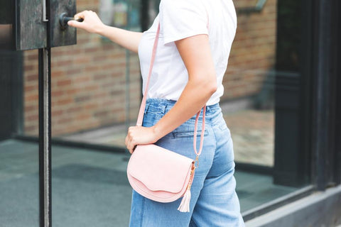 pink-purse-with-tassel