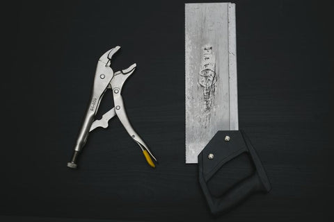 pliers-saw-how-to-become-a-locksmith