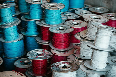 spools-of-red-white-and-blue-wire-how-to-become-a-locksmith
