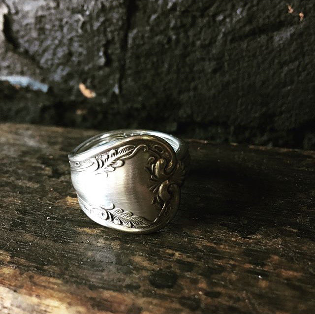 Spoon Ring 'Queen of Hearts' handcrafted