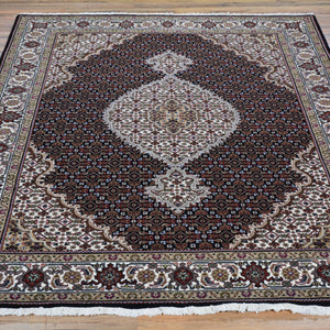 Hand-Knotted Oriental Wool Silk Mahi Rug (Size 5.2 X 7.0) Brral-6519