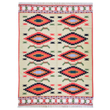 Load image into Gallery viewer, Oriental rugs, hand-knotted carpets, sustainable rugs, classic world oriental rugs, handmade, United States, interior design,  Brrsf-6159