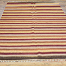 Load image into Gallery viewer, Hand-Woven Reversible Kilim Handmade Wool Rug (Size 5.6 X 7.11) Brral-4215
