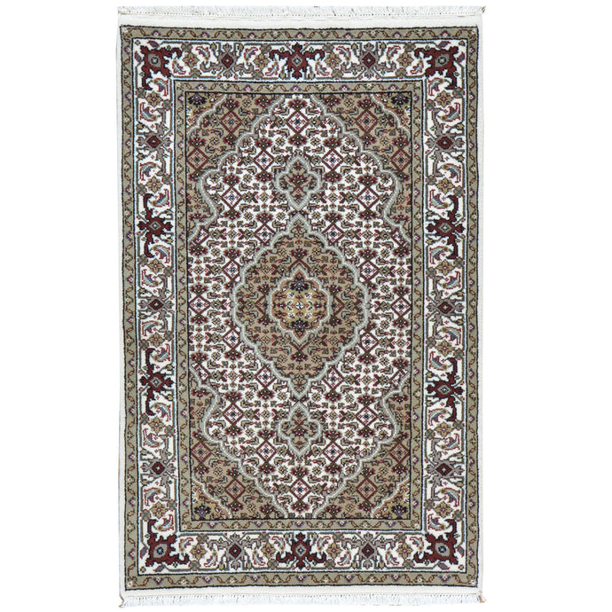 Hand-Knotted Tabriz Design Handmade Wool Rug (Size 2.6 X 3.4) Cwral-7815