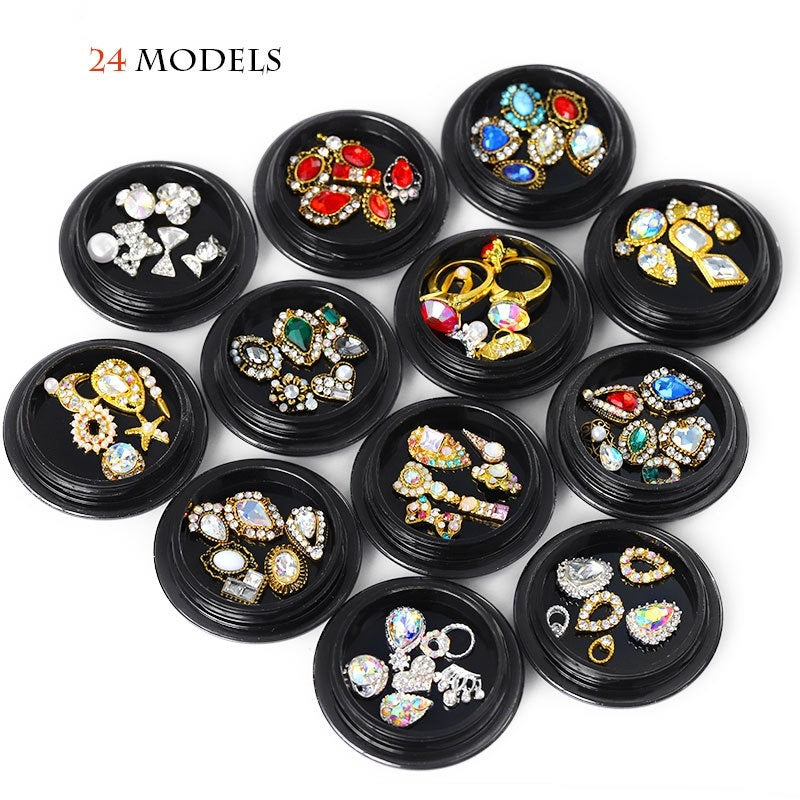 3D Jewelry Crystal Stones for Retro Nail Art Decorations Manicure Diamonds Charm Nail Decorations Glitter Alloy Jewelry Rhinestones DIY Nail