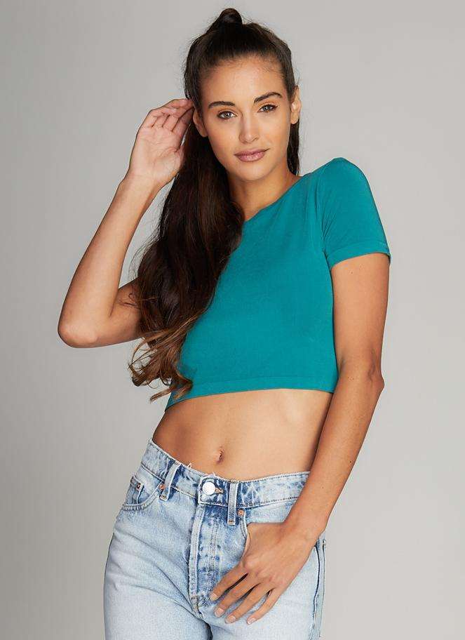 C'est Moi Short Sleeve Crop Top