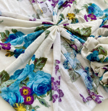 Load image into Gallery viewer, Cornflower Roses Baja Scrunch Band / Set