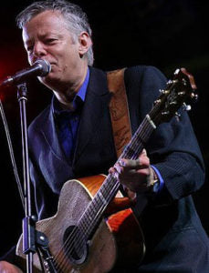 There are many well known Maton Artists including the amazing Tommy Emannuel (pictured playing his signature model)