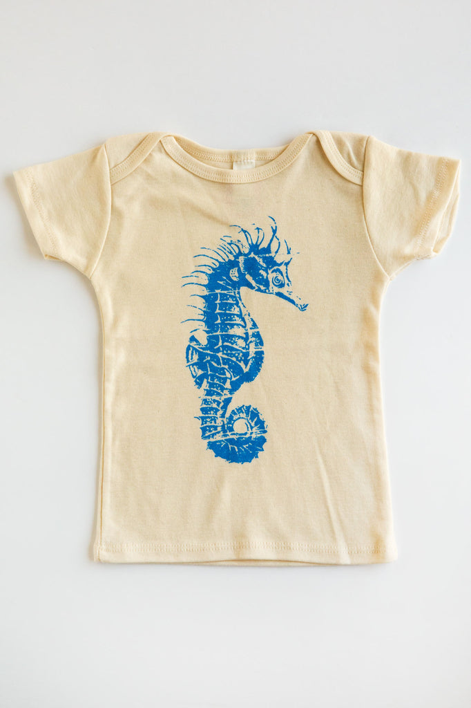 lucky fish seahorse lap tee