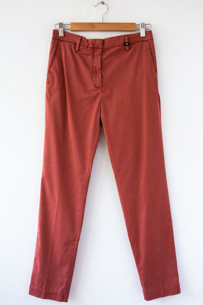 MYTHS Rust Slim Straight Trouser