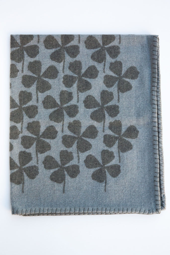 Ama Childrens Grey/Blue Clover Throw