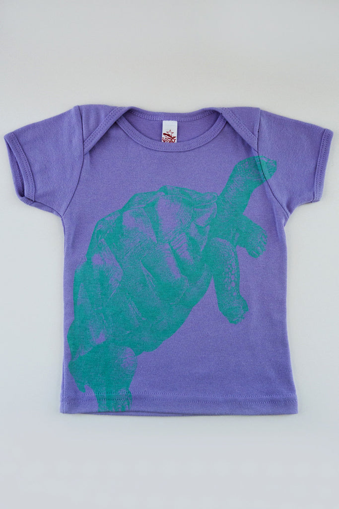 lucky fish turtle lap tee
