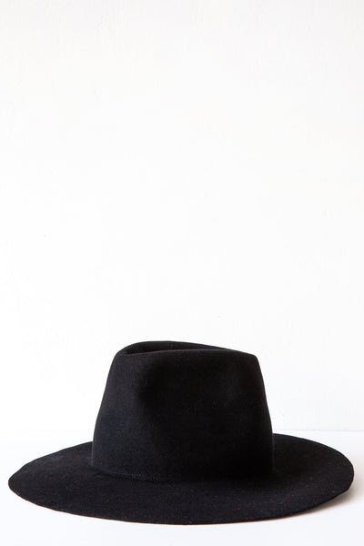 Chisaki Black Kaze Hat