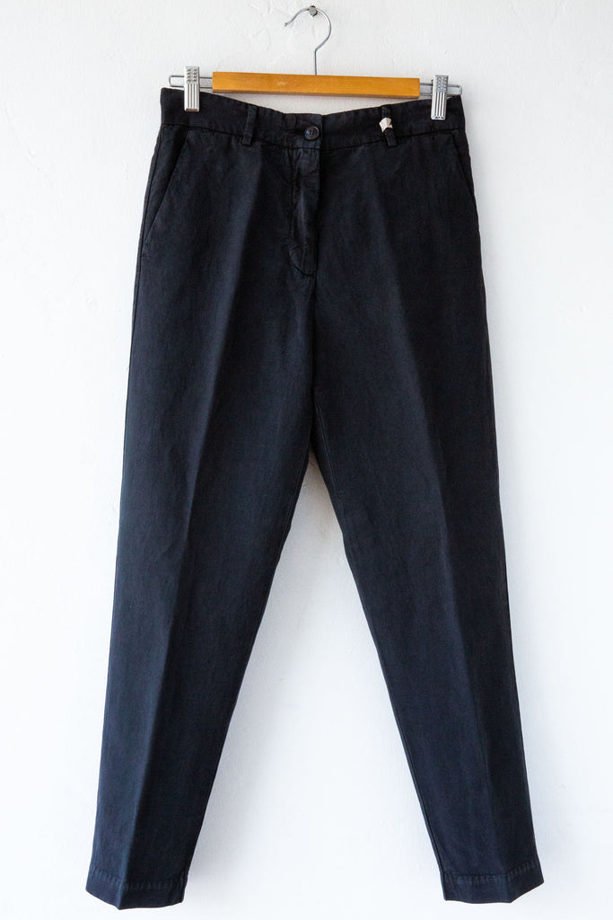 MYTHS Black Slim Carrot Pant