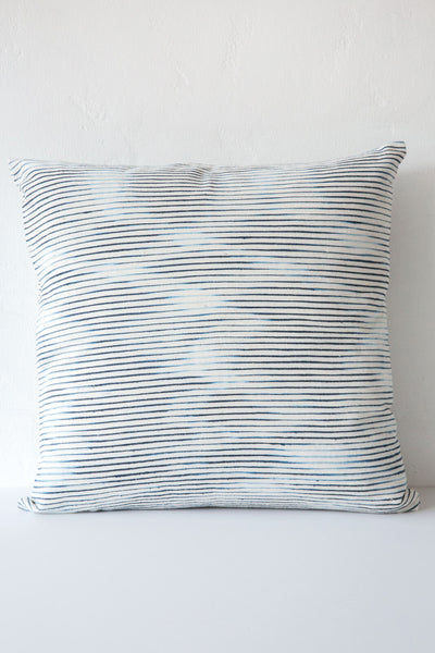 sammy natural /indigo pillow