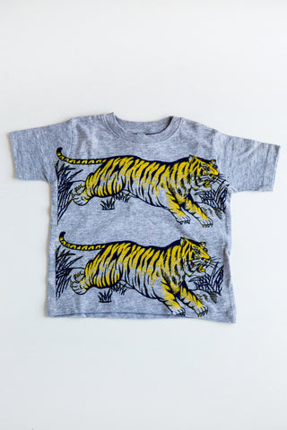 lucky fish grey leap tiger tee