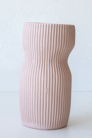 Cym blush curvy medium vase