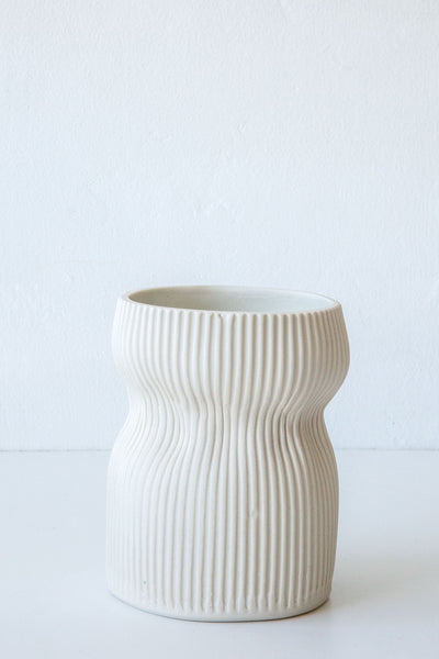 Cym white curvy small vase