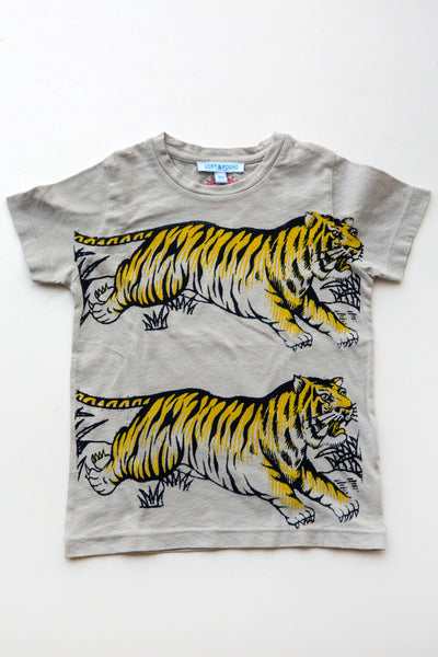 lucky fish on lost & found tee lt grey leap tiger