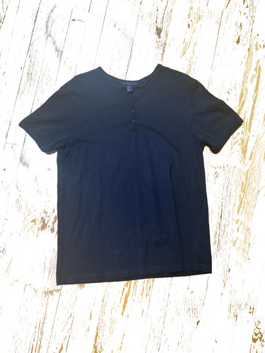 Men's black button front T Size L