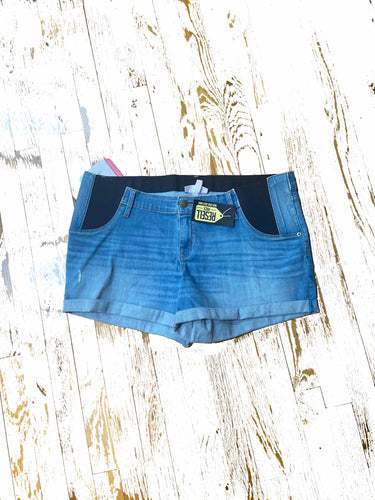 Maternity denim jean shorts size 16/33