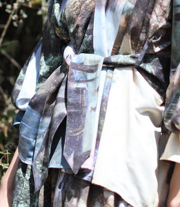 【Pre-order】Mexican landscape print pleated sleeve Top with belt