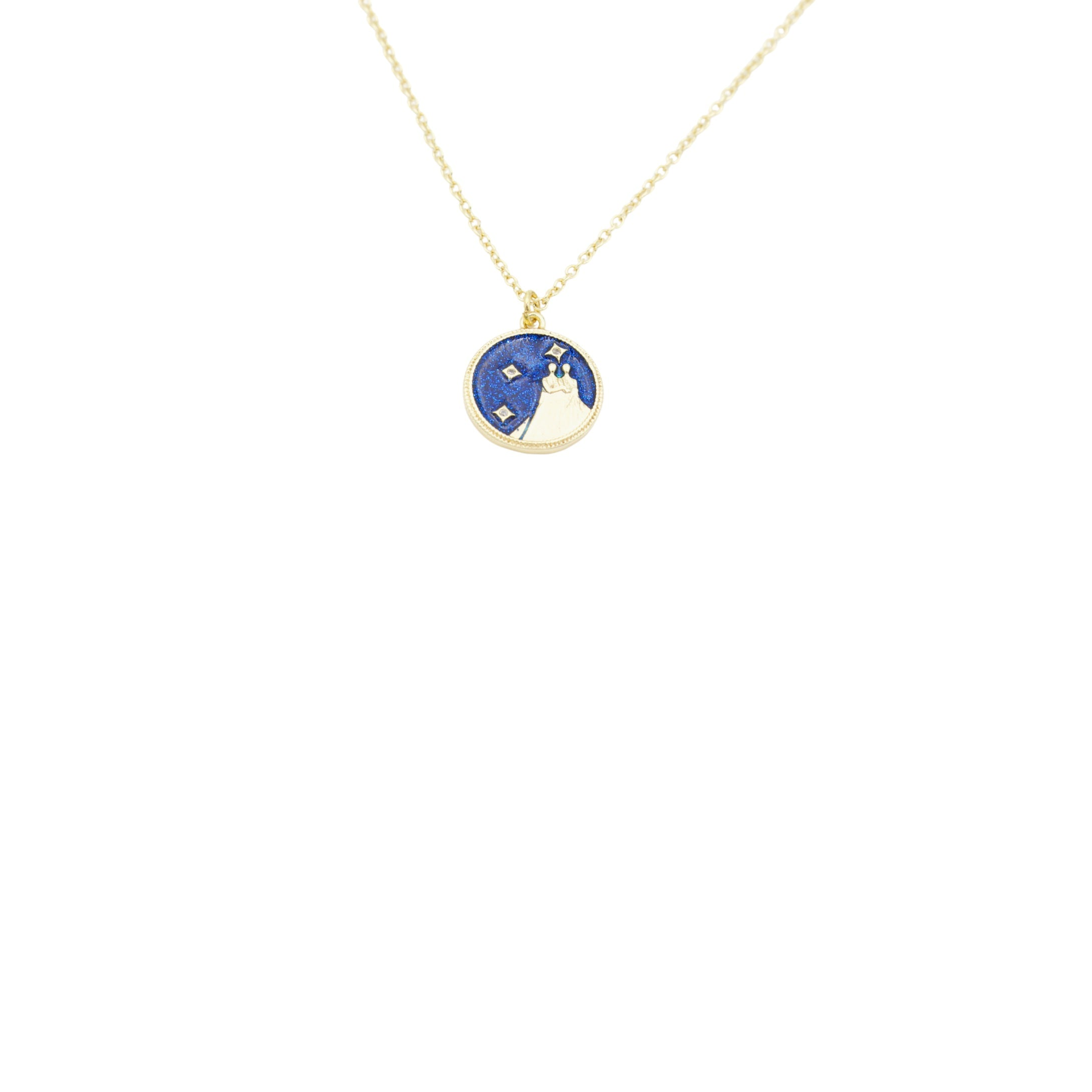 AW Boutique's Zodiac Astro Coin is a dainty pendant full of sparkle and shine.  This piece adds a pop of colour to your everyday wear and at 18 inches is a great length to mix and layer your other chains with.  Proudly wear either your own star sign or the star sign of a loved one close to your heart.  Zodiac shown is Gemini.