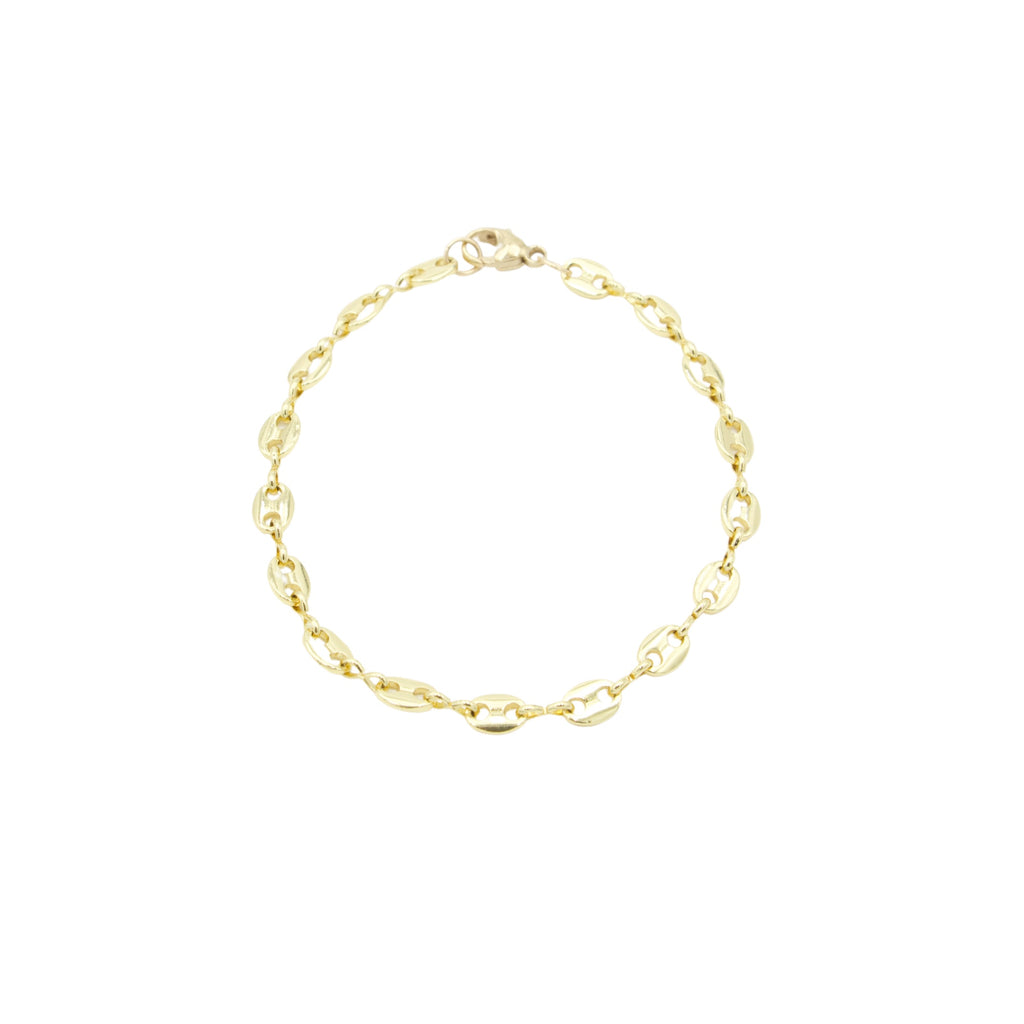 AW Boutique's classic Gucci Link Bracelet is both delicate and striking.  This is a piece that you can literally grab and go with.  You can wear it alone as an everyday go-to, or mix and layer it with your other bracelets for a beautiful stacked look.  Either way, this is definitely a staple.