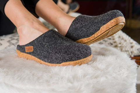 Taos Woollery Cozy and comfortable clog in charcoal