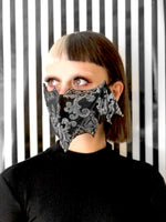 Load image into Gallery viewer, Black/Silver Baroque Bat Mask