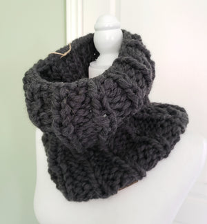women's knit scarf, bulky knit scarf, winter scarf, women's wool knit scarf, knit cowl, bulky knit cowl, recycled wool, 100% recycled wool, eco-friendly wool, sustainable wool
