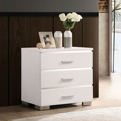 Carlie - Night Stand w/ 3 Drawers - White