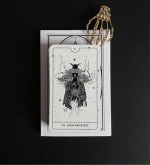 Load image into Gallery viewer, The Divine Feminine Tarot (Diurnal Edition)