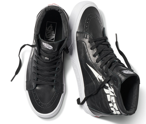 09bfee1260 Dressed in full grain leather upper and tonal deco-stitched Sidestripe