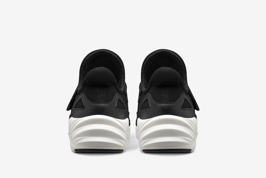 ARKK Copenhagen: Out- Apextron Mesh W13 (Black off White)