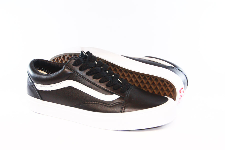 Vans: Vault-Shoes: OG Old Skool LX (VLT Black)