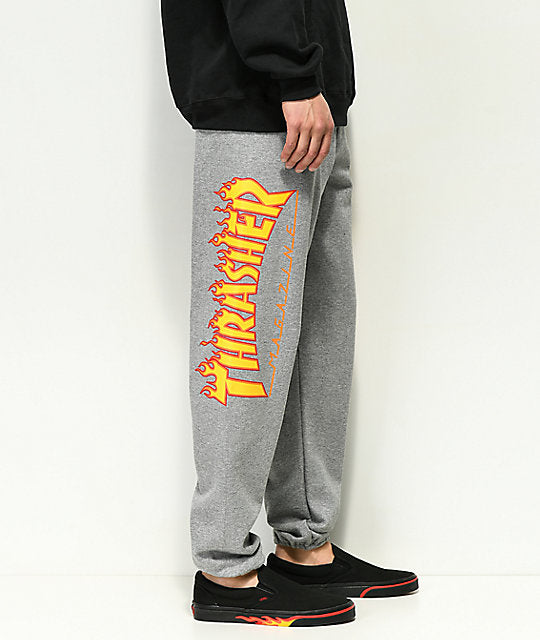 THRASHER-BOTTOMS : FLAME SWEATPANTS (GREY)