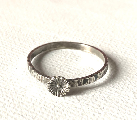 Flower Ring, large Sterling Flower Ring, Silver texture ring, Hammered Ring