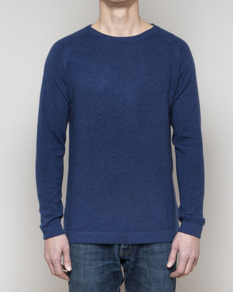 Heimigarden cashmere sweater longsleeve blue front view