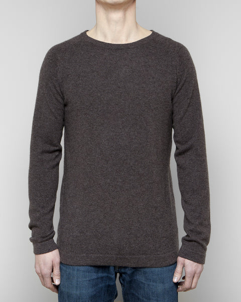 Heimigarden cashmere sweater longsleeve soft brown front view