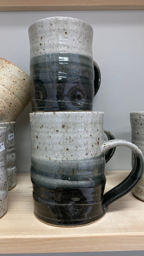 XL Pottery Mug Black/Grey