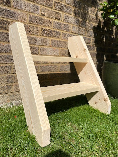 Bespoke Shepherds Hut Steps - R&M Woodworking